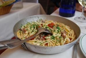 Pugliese pasta with calemari and tomato